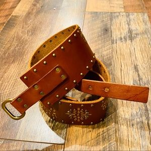 ABERCROMBIE & FITCH Cognac Leather Studded Belt